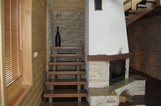 Krb a schodiště srubu