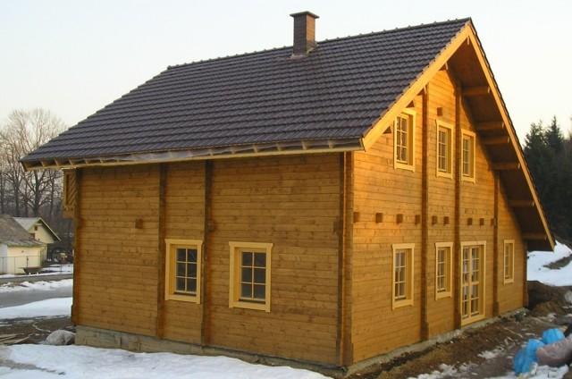 Velký patrový srubový dům Ostrava