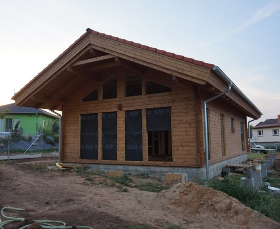 Útulný srubový dům