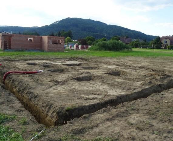 Základy srubu na Šumpersku