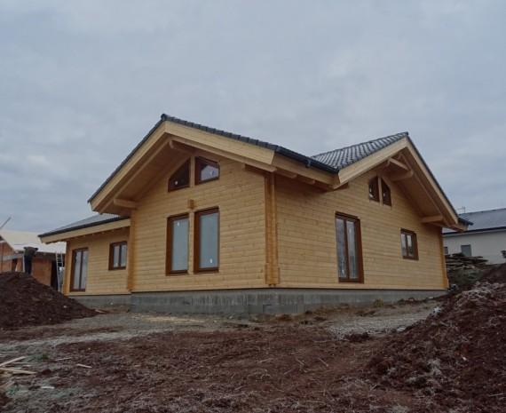 Srubový bungalov na Jižní Moravě
