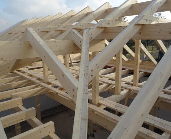 Krov na srubovém domě