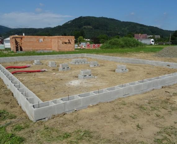Stavba základů dřevostavby