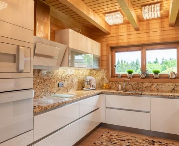 Kuchyňský kout ve srubu