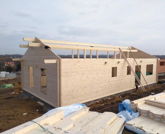 Stavba krovu srubu